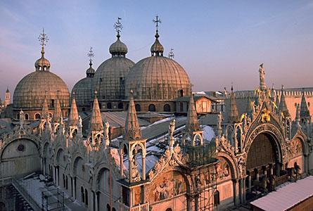 Basilica-San-Marco_Architectural-masterpiece_3390
