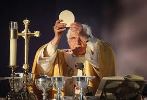 benedicto_eucaristia